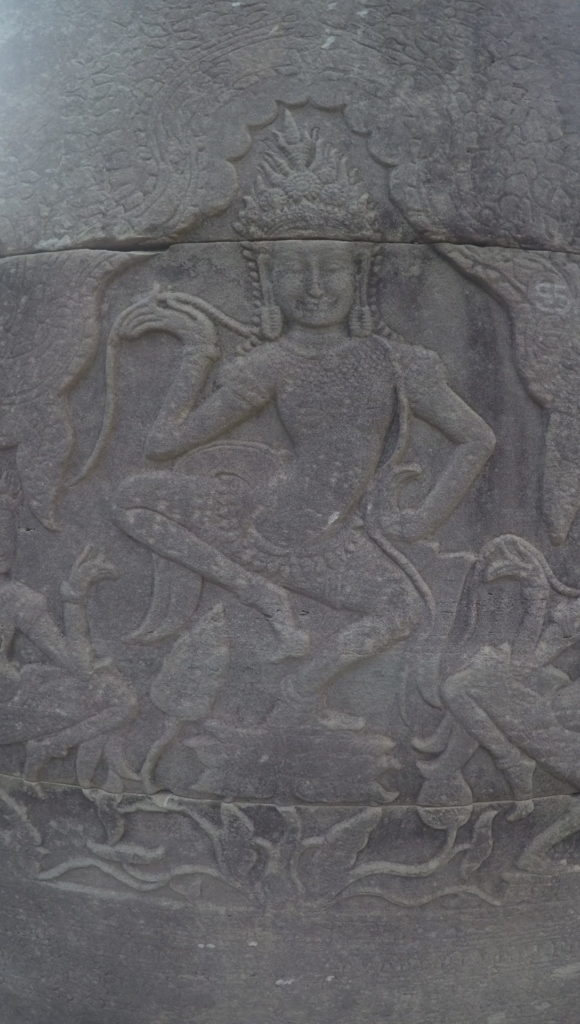 Gravure au temple d'Angkor Vat